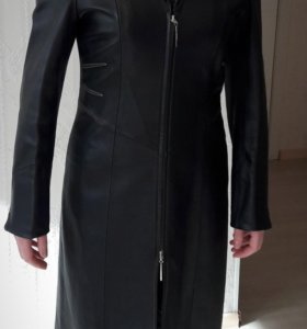 Кожаное пальто/ плащ