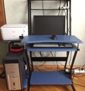 Компьютерный стол новый.