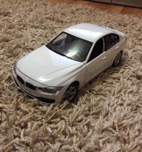 Продаю машинку BMW 335 i