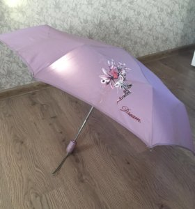 Зонтик потасканный, но рабочий