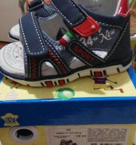 Новые сандалии ясельные ,20 размер