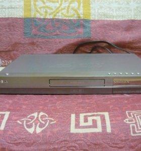 DVD-проигрыватель LG DR687DX