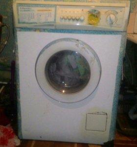 Ремонт стиральных машин и микроволновок.