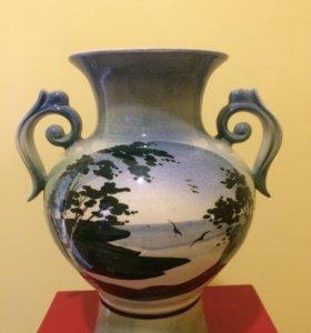 Керамическая ваза .