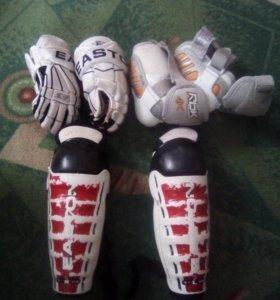 Продаю спортивную хоккейную форму