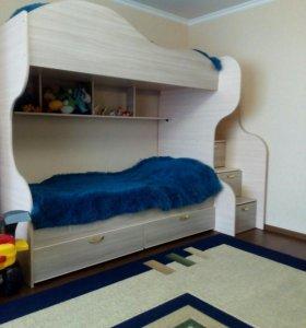 Детская двухъярусная кровать.