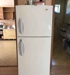 Продаю холодильник LG