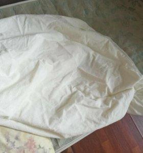 Кровать с матрасом и подушкой
