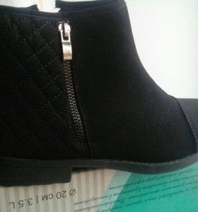 Продам новые женские ботинки весна-осень