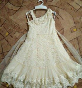 Нарядное платье ручной работы