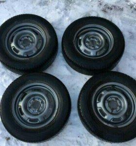 Продаю колёса r13 на летней резине 4*100 + колпаки