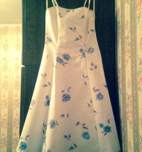 Новое нарядное белое платье с туфлями