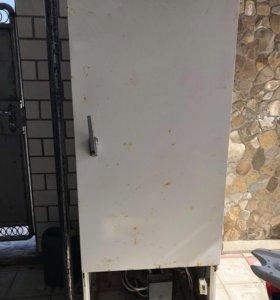 Продам холодильник промышленный