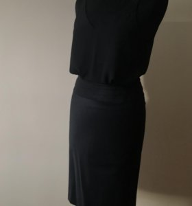 Стильная юбка-карандаш из тонкой шерсти