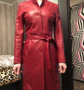 Кожаный плащ/пальто