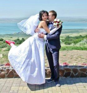 Фотограф и видеоператор на свадьбу