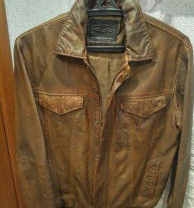 Новая кожаная куртка Levis