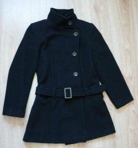 Черное демисезонное пальто из шерсти