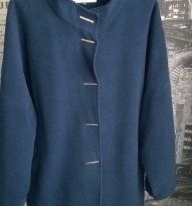 Весеннее пальто, скидка цена- 1200 р.