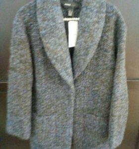 Легкое пальто новое