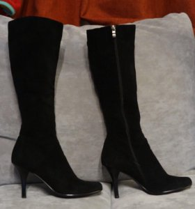 Весенние женские замшевые сапоги новые