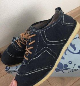 Женские туфли, кроссовки