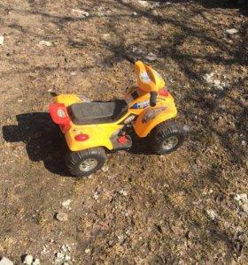 Детский электромобиль, без зарядки 500 руб