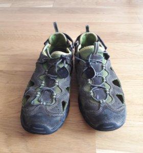Сандалии-кроссовки 36 размер