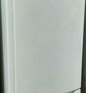 Холодильник Аристон full no frost