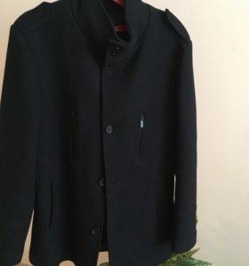 Пальто мужское, зимнее.