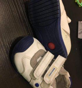 Кроссовки и туфли