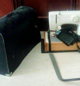Швейная машинка Чайка 132 - М