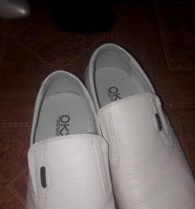 Мужские туфли размер 39