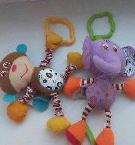 Игрушки подвески Tiny Love+3 в подарок,погремушка