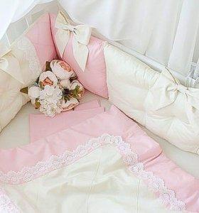 Бортики в кроватку, конверты на выписку, постельно