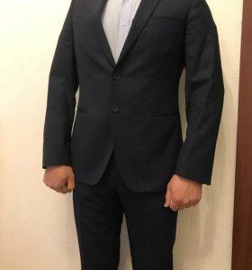 Продам мужской костюм Sinar