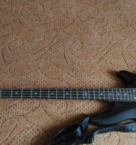 Бас-гитару Schecter SGR C-4 bass