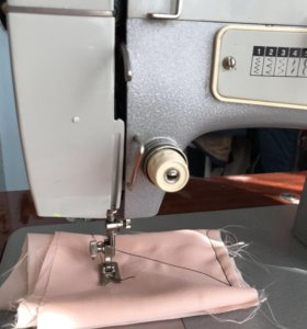 Швейная машинка «Подольск 142»