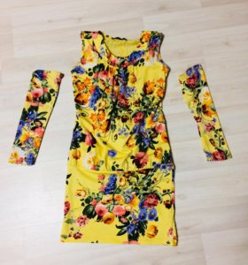 Платье с руковами