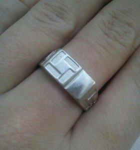 Продам мужское серебряное кольцо(печатка)