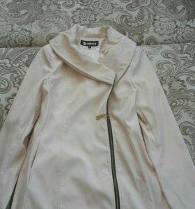 Продам пальто и плащ