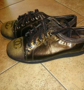 Ботинки женские, новые, размер 39