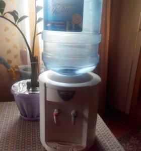 Кулер для питьевой воды с 2-мя пустыми бутылками