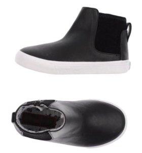 Ботинки-кеды новые для мальчика