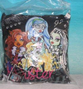 Подушка Monster High
