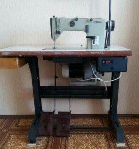 Производственная швейная машина м 1022