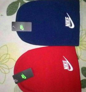 Новая шапка красная