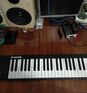Midi клавиатура alesis v49