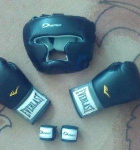 Кик боксерская и боксерская амуниция