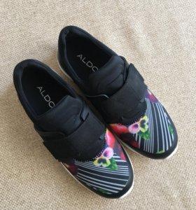 Кроссовки( новые ) ALDO